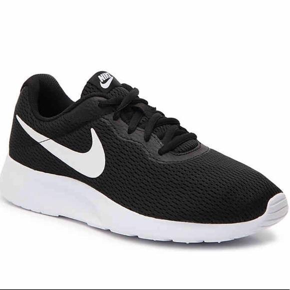 12efa1d72de707 Women s Nike Tangun Sneakers. M 5c4dc8b15c4452a2a15e9634